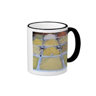 Pastas, cereal, cesta, comida italiana, mercado tazas de café