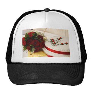 Pastel de bodas rojo y blanco gorra