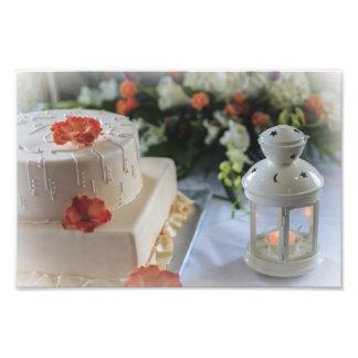 Pastel de bodas y linterna foto