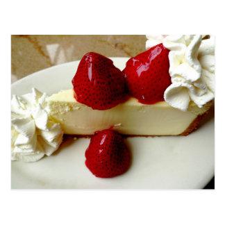 Pastel de queso con las fresas postal