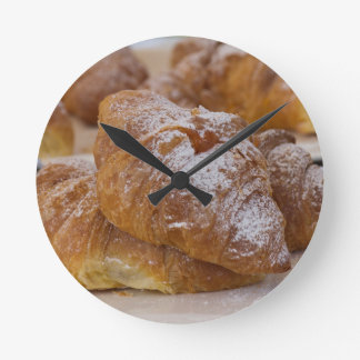 pasteles dulces reloj redondo mediano
