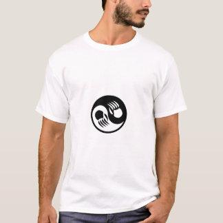 Patas de oso de Yin Yang Camiseta