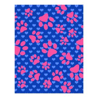 Patas rosadas del perro de los corazones azules folleto 21,6 x 28 cm