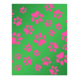 Patas rosadas verdes del perro folleto 21,6 x 28 cm