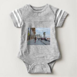 patinaje a la playa de Venecia Body Para Bebé