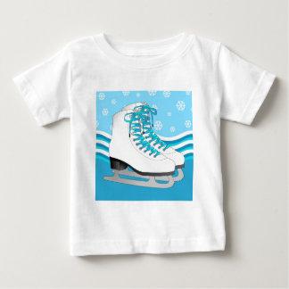 Patinaje artístico - patines de hielo azules con camiseta de bebé