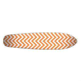 Patines El zigzag anaranjado y blanco raya el modelo de