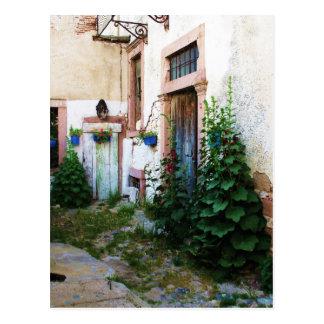 Patio hermoso en Creta, Grecia Postal