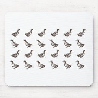 Patos del corral de la colección de Emma Janeway Alfombrilla De Ratón