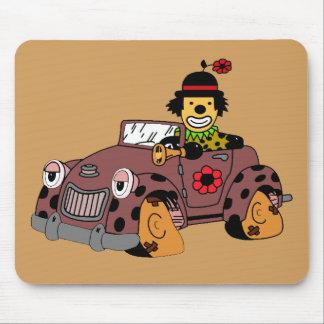 Payaso en coche alfombrilla de ratón