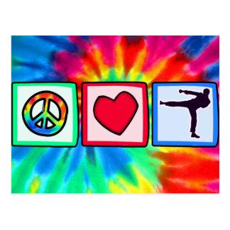 Paz, amor, artes marciales postal