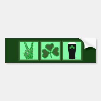 Paz, amor y cerveza irlandesa pegatina para coche
