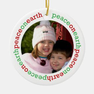 Paz de la paloma en la foto de encargo blanca adorno navideño redondo de cerámica
