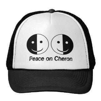 Paz en el gorra de Cheron