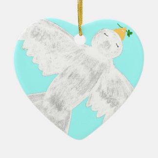 Paz en el ornamento de la paloma de la tierra adorno navideño de cerámica en forma de corazón