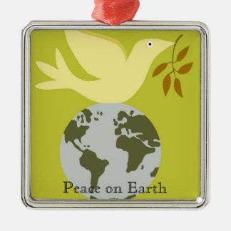 Paz en el ornamento del navidad de la tierra ornamentos de reyes magos