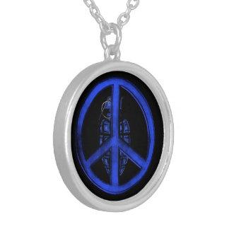 Paz y guerra (azules) colgante redondo