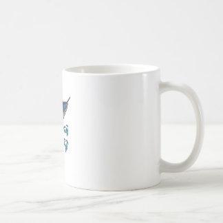 Peces espadas taza de café