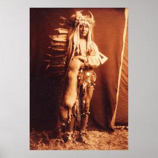 Pecho del hierro, indio del nativo americano de Pi Póster