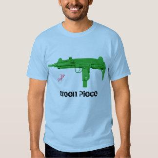 pedazo del verde de la diversión del uzi, R Camisetas
