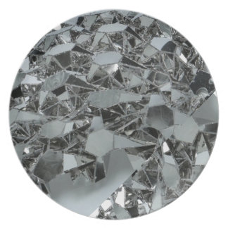 Pedazos rotos de cristal platos de comidas