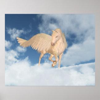 Pegaso que mira abajo a través de las nubes póster