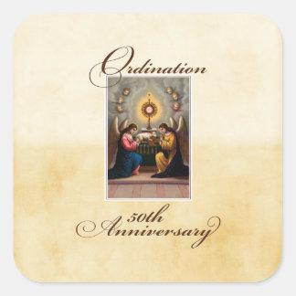 Pegatina Cuadrada 50.o Ángeles del aniversario de la ordenación en