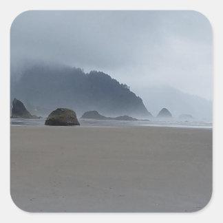 Pegatina Cuadrada Costa de Oregon del punto del abrazo en un día