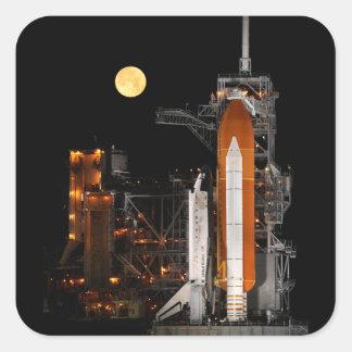 Pegatina Cuadrada Descubrimiento y luna del transbordador espacial