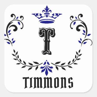 """Pegatina Cuadrada El monograma """"T"""" de la guirnalda de la corona"""