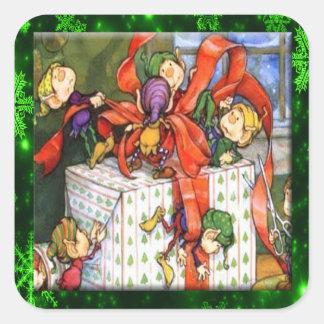 Pegatina Cuadrada Felices duendes que envuelven a los actuales