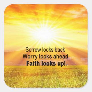 Pegatina Cuadrada ¡La fe mira para arriba!