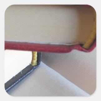 Pegatina Cuadrada La segunda mano reserva con las páginas en blanco