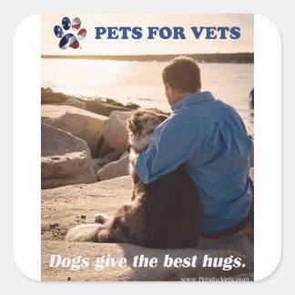 Pegatina Cuadrada Los perros dan los mejores abrazos