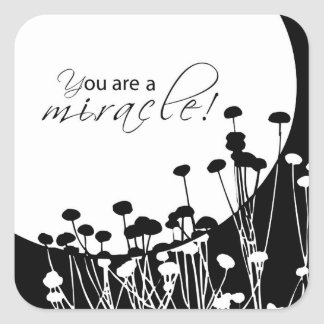 Pegatina Cuadrada Milagro de la recuperación, blanco y negro