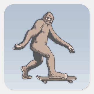 Pegatina Cuadrada Monopatín de Bigfoot