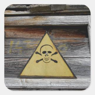 Pegatina Cuadrada Muestra del peligro del vintage en la madera