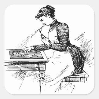 Pegatina Cuadrada Mujer que usa el aerógrafo viejo