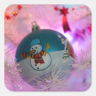Pegatina Cuadrada Muñeco de nieve - bolas del navidad - Felices