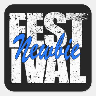 Pegatina Cuadrada Newbie del festival (blanco)