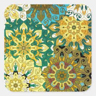 Pegatina Cuadrada Oriente la mandala azul y amarillee el adorno