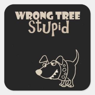 Pegatina Cuadrada Perro divertido del dibujo animado que raspa