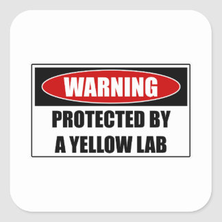 Pegatina Cuadrada Protegido por un laboratorio amarillo