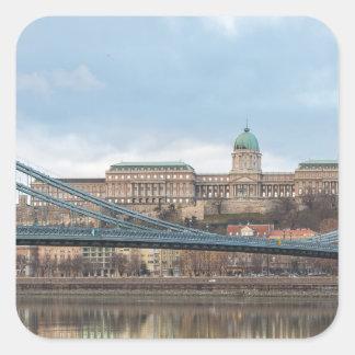 Pegatina Cuadrada Puente de cadena con el castillo Hungría Budapest
