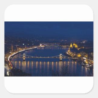 Pegatina Cuadrada Puente de cadena Hungría Budapest en la noche
