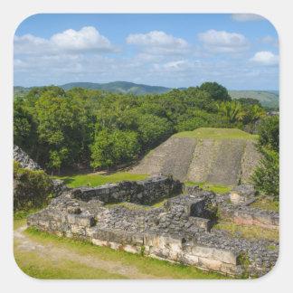 Pegatina Cuadrada Ruina maya de Xunantunich en Belice