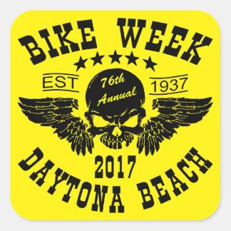 Pegatina Cuadrada Semana 2017 de la bici de Daytona Beach del cráneo