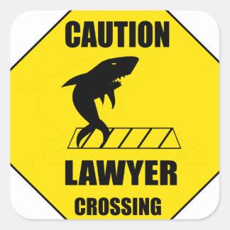 Pegatina Cuadrada Travesía del abogado con el tiburón