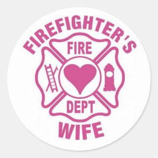 Pegatina de la esposa del bombero rosado y blanco