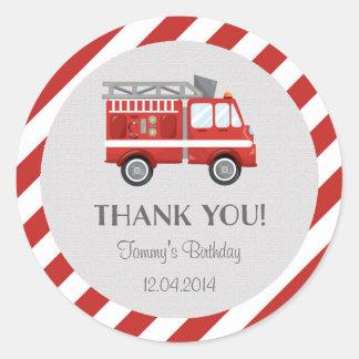 Pegatina del cumpleaños del coche de bomberos
